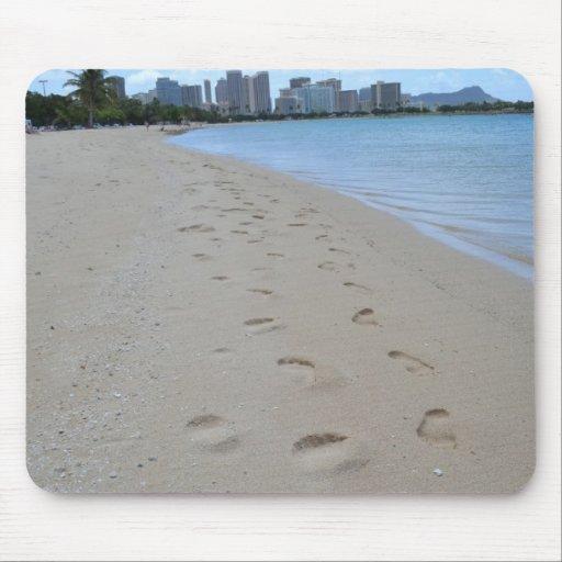 Huellas en la playa de Moana del Ala Alfombrillas De Raton