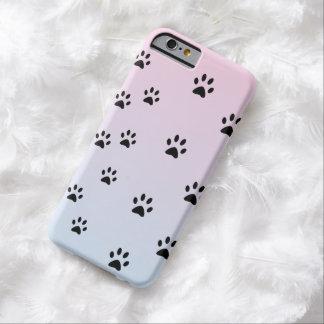 Huellas rosa y azul del gato funda de iPhone 6 barely there