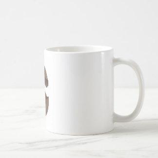 Huevo de chocolate quebrado taza de café