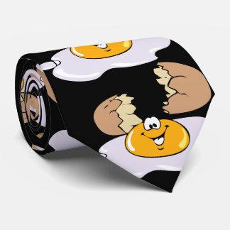 Huevos agrietados, negros corbatas
