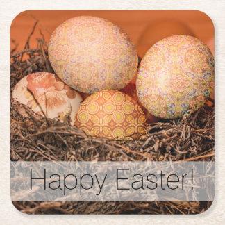 Huevos de Pascua rústicos en jerarquía Posavasos Cuadrado De Papel