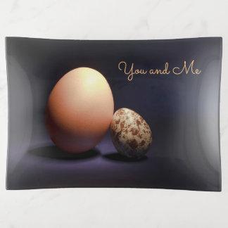 Huevos del pollo y de codornices en amor. Texto