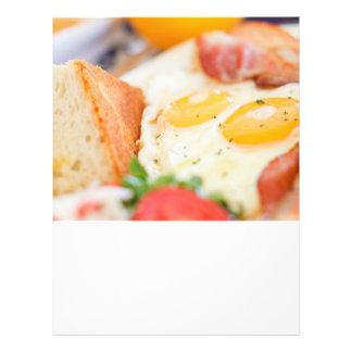 Huevos fritos folleto 21,6 x 28 cm