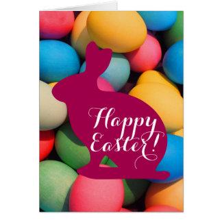 Huevos multicolores felices del conejito de pascua tarjeta