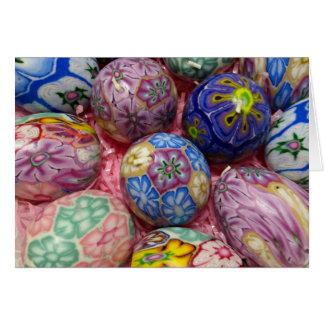 Huevos multicolores hermosos del ucraniano de la c tarjeta de felicitación