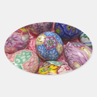 Huevos multicolores hermosos del ucraniano de la pegatina ovalada