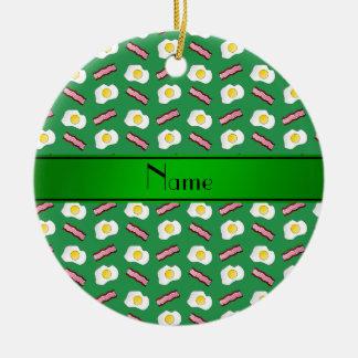 Huevos verdes conocidos personalizados del tocino adorno redondo de cerámica
