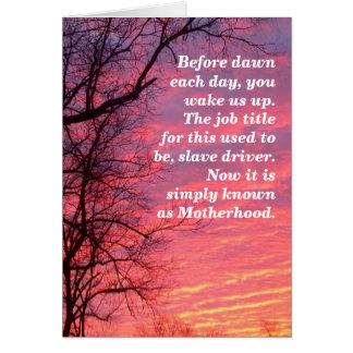 Humor de la maternidad tarjeta de felicitación