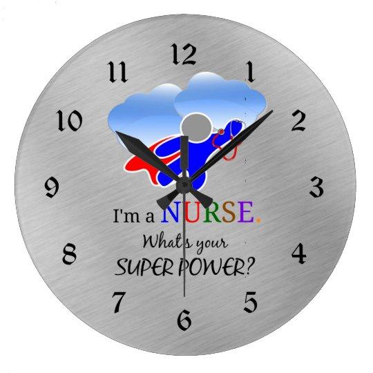 Humor del super héroe de la enfermera reloj redondo grande