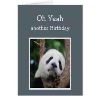 Humor triste del cumpleaños del oso de panda tarjeta de felicitación