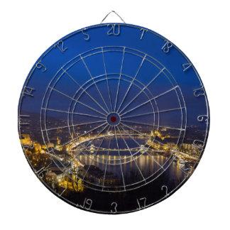 Hungría Budapest en el panorama de la noche Diana