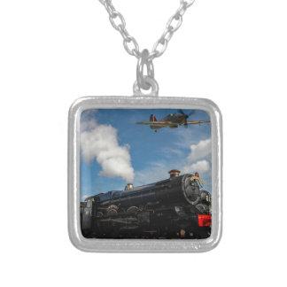 Huracanes y tren del vapor collar plateado