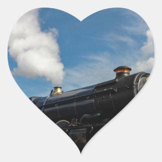 Huracanes y tren del vapor pegatina en forma de corazón