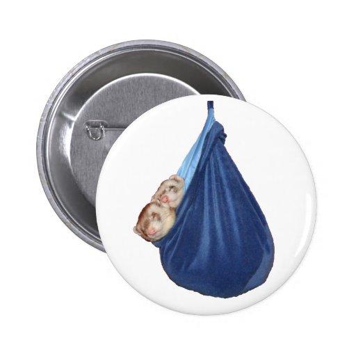 Hurónes en un botón del saco de dormir pin
