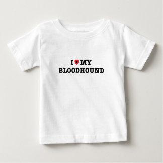 I corazón mi camiseta del bebé del sabueso