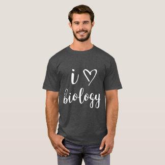 I la camisa oscura de los hombres de la biología