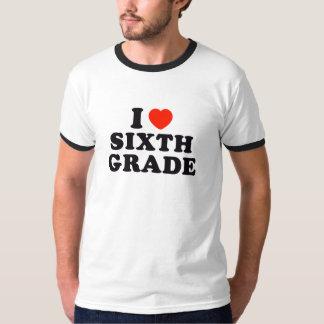 I sexto grado del corazón/del amor camiseta