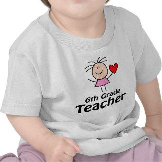 I sexto profesor del grado del corazón camisetas