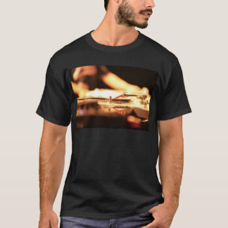 Ibiza DJ deejay record turntable in nightclub bar Camiseta