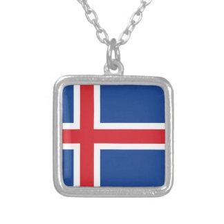 Iceland.ai Collar Plateado