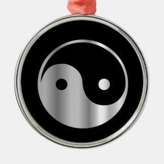 Icono religioso del daoism Ying y de Yang del Adorno Redondo Plateado