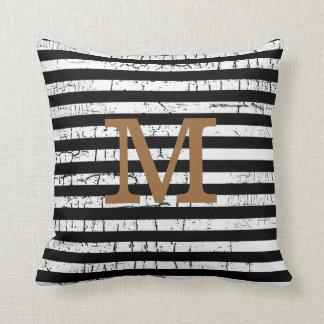 idea con monograma de la decoración de las rayas n cojin