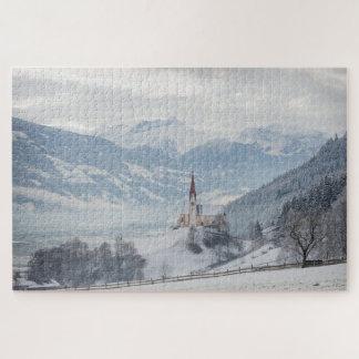 Iglesia en Zillertal en rompecabezas del invierno