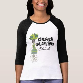 Iglesia que planta la camiseta del polluelo