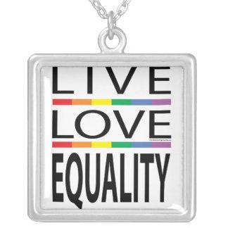 Igualdad viva del amor collar plateado