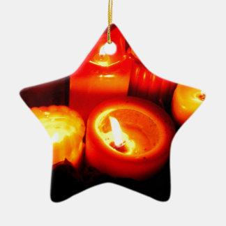 Ilustración de la vela de la acción de gracias y adorno de cerámica en forma de estrella