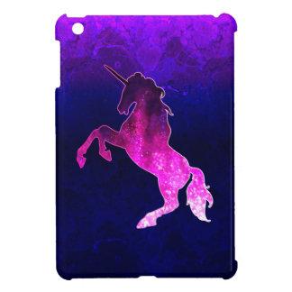 Imagen brillante del unicornio hermoso rosado de