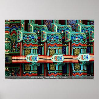 Imagen de muchos colores e imágenes en templo póster