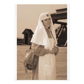 Imagen diseñada retra con la enfermera anuncio