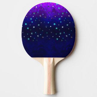 Imagen estrellada de la noche hermosa de la pala de ping pong