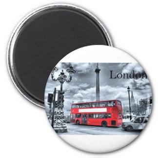 Imán AUTOBÚS de LONDRES en negro y el blanco (St.K)