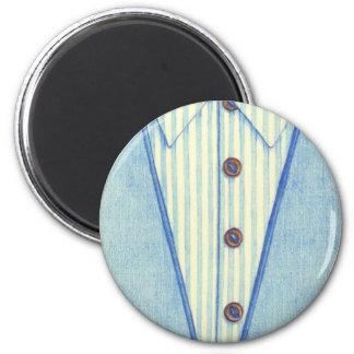 Imán azul de la camisa