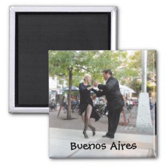 Imán Bailarines del tango en la plaza Dorrego