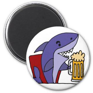 Imán Cerveza de consumición del tiburón divertido