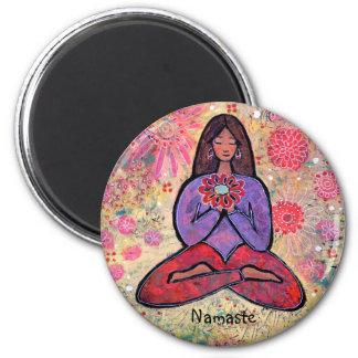 Imán Chica cabelludo de la yoga de Namaste Brown