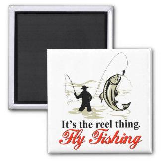 Imán de la pesca con mosca del carrete