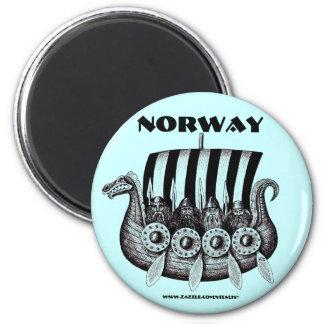 Imán de Noruega con vikingos en arte drekar de la