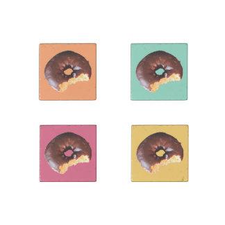 Imán De Piedra Buñuelo helado chocolate de la torta amarilla con