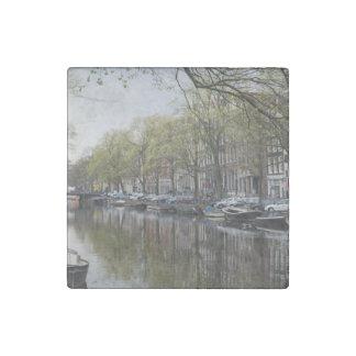 Imán De Piedra Canales en Amsterdam, Holanda