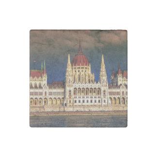 Imán De Piedra Edificio húngaro del parlamento en Budapest,