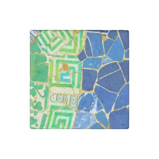 Imán De Piedra Tejas verdes de Parc Guell en Barcelona España