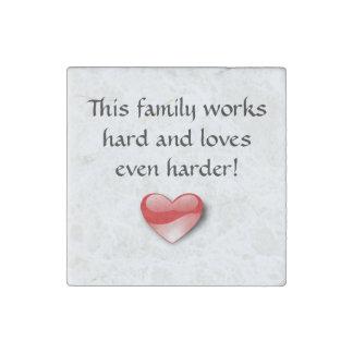 Imán del refrigerador del amor de la familia