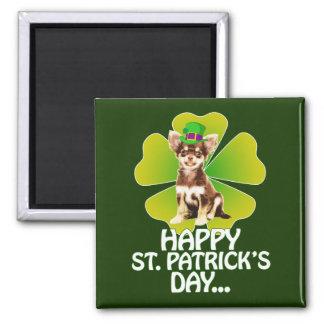 Imán Día lindo de St Patrick del gorra del perrito de