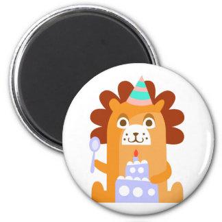 Imán El león con el fiesta atribuye enrrollado