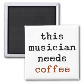 Imán el músico necesita el café