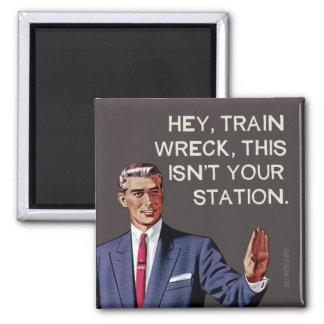Imán Ey, la ruina del tren, ésta no es su estación